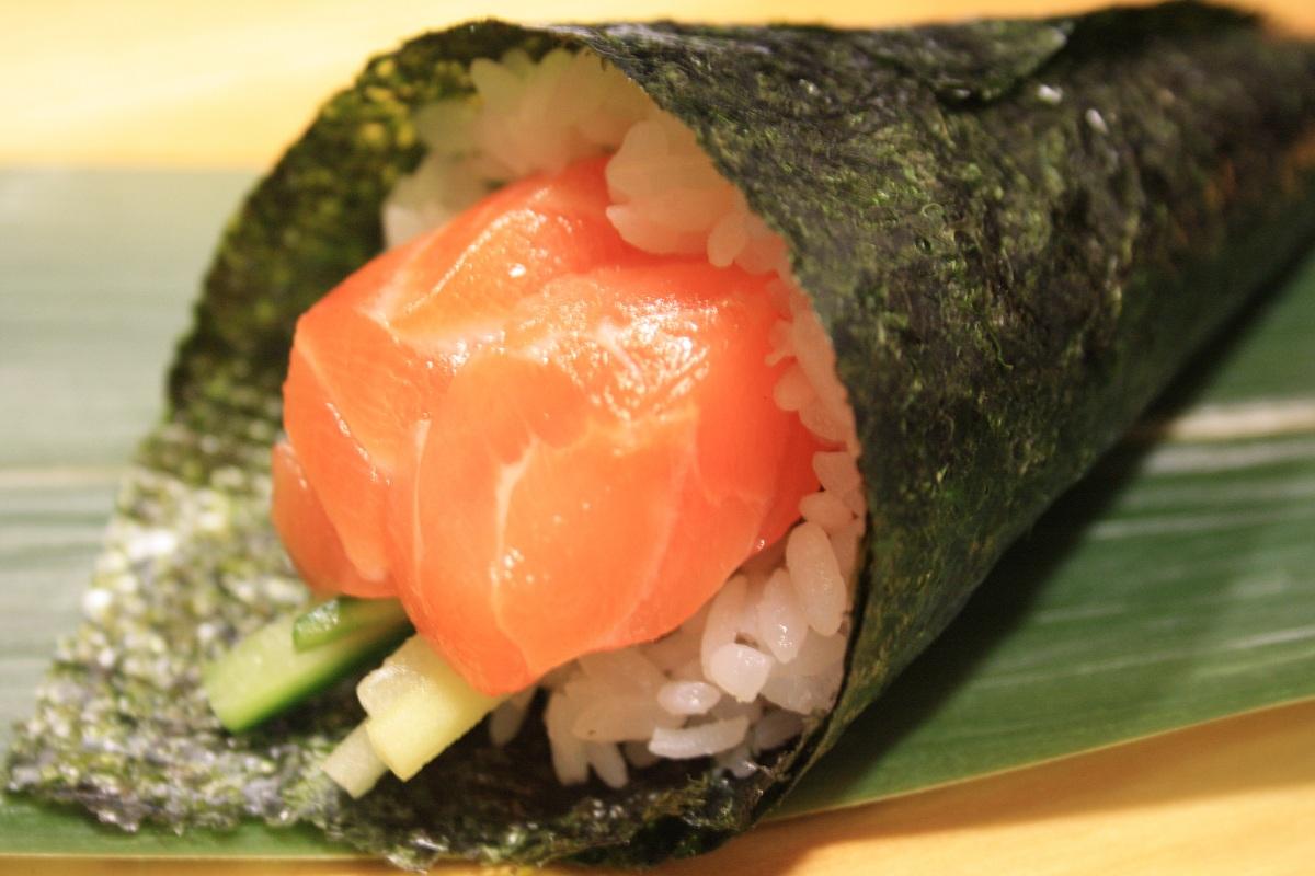 533. Salmon Hand Roll